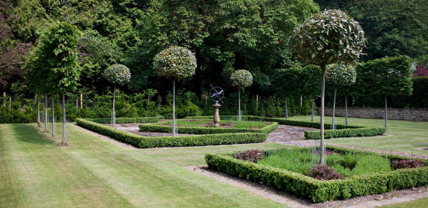 North West of Edinburgh - James Hutchison Garden Design